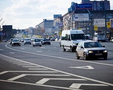 На дорогах столицы появятся новые выделенные полосы