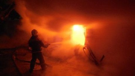 В столице подожгли здание полиции