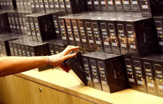 Мошенников, зарабатывающих на iPhone, наконец-то поймали
