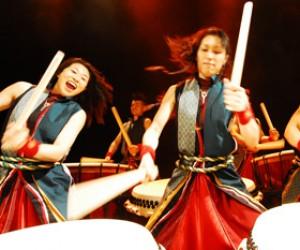 Незапрещенные барабанщики YAMATO создали новое потрясающее шоу «Gamushara»