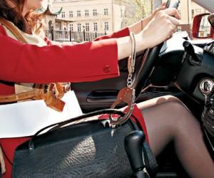 В Москве байкеры грабят женщин