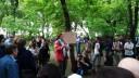 Оппозиционеры вытоптали газоны на Чистых прудах на 1 млн рублей