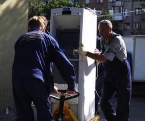 Воры украли 2 млн рублей вместе с банкоматом