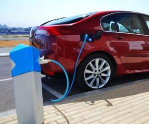 В Москве заработали первые быстрые зарядные станции для электротранспорта