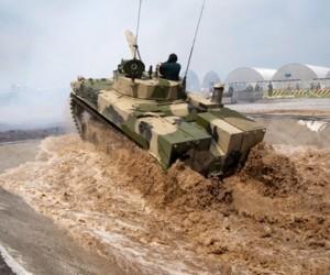 Фотолетопись российской военной техники на выставке в МАММ
