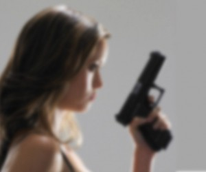 Девушка ранила двоих человек из пистолета в московском метро