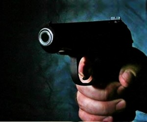 Столичный патрульный застрелил мужчину, пытавшегося вскрыть автомобиль