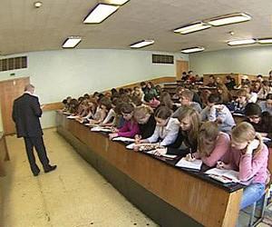 Студенты юрфака обманывали абитуриентов, поступающих в вуз