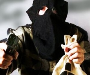 Вооружённые грабители украли 18 млн рублей под носом у полиции