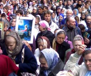 В Москве началось молитвенное стояние против осквернения святынь, и гомосексуализма