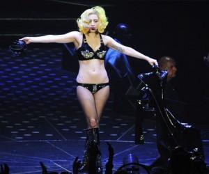 Леди Гага вслед за Мадонной решила ошокировать столицу