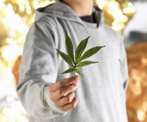 В сентябре столичных школьников начнут проверять на наркотики