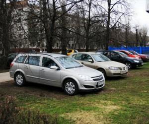 В столице организуют штаб по формированию парковочного пространства