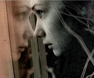 В Москве мать и дочь поочереди выбросились из окна своей квартиры