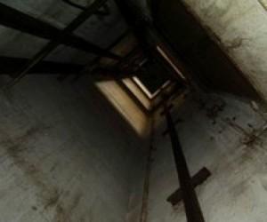 Сотрудницу московского военного госпиталя раздавило рухнувшим лифтом