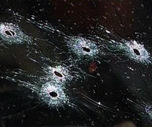 В Москве неизвестными расстреляна машина, погиб человек
