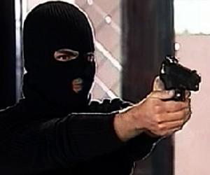 Вооруженные преступники ограбили ресторан в Новой Москве на 2 млн рублей и угнали машину