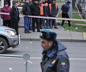 Ещё одна иномарка сбила людей на остановке в Москве, погибли трое