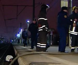 Под ж/д платформой в Москве сгорели трое бездомных