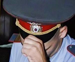 Работники подмосковного УФМС избили полицейского