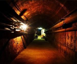 Спасаясь от апокалипсиса несколько сотен москвичей спрятались в бункере на Таганке