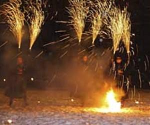 Взрывать пиротехнику в Новый год можно лишь на Болотной площади