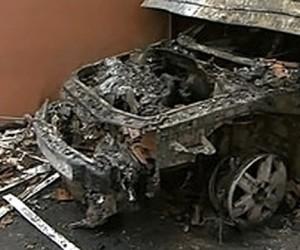 Неадекватный водитель во время ДТП в Москве взорвал чужую иномарку