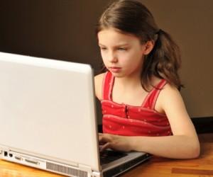 Столичный медик совратил около 450 детей через интернет