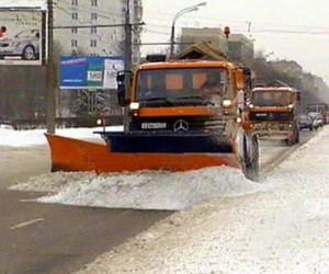 «Мосгортранс» пришёл на помощь столичным коммунальщикам, не справляющимся со снегом
