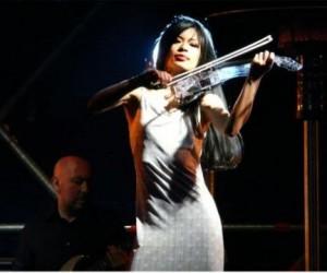 Ванесса Мэй даст концерт в Москве с участием хора и оркестра
