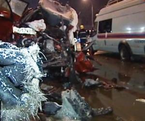 На Калужском шоссе столкнулись «скорая», маршрутка и иномарка: погибли ребёнок и женщина