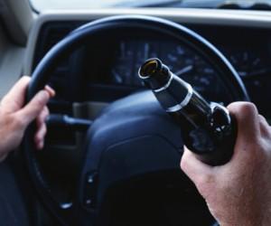 Пьяный водитель обвинил столичных полицейских в переломе руки