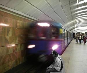 Очередной пассажир прыгнул под колёса поезда в столичной подземке