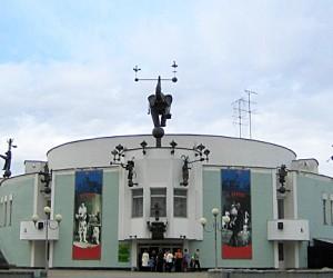 Медведев поздравил «Театр зверей им. Дурова» со 100-летием