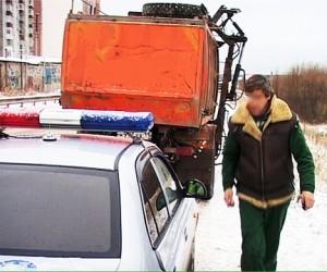 В Москве на ТТК мусоровоз сбил двоих водителей, один из них погиб