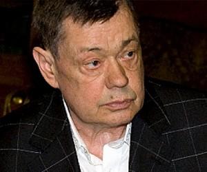Николая Караченцова снова парализовало