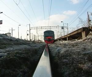 Поезд насмерть сбил 10-летнюю девочку в Подмосковье