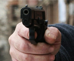 Водитель иномарки застрелил в дорожном конфликте водителя мусоровоза
