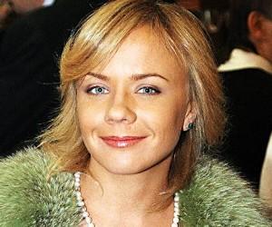 Лена Перова, певица и телеведущая, совершила попытку самоубийства и попала в аварию