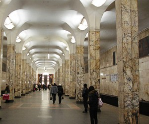 В московском метро погибли два человека — на станциях «Киевская» и «Автозаводская»
