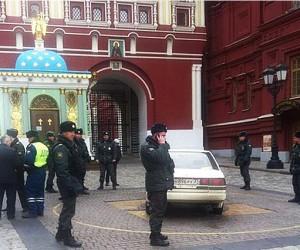 Неизвестный пытался проехать к Кремлю, представившись сыном Путина