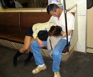 Пассажиров столичной подземки начнут проверять алкотестерами