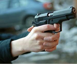 В центре столицы бандиты обстреляли иномарку и похитили около €90 тыс.