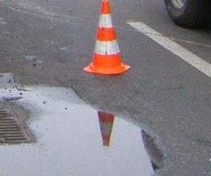В Москве иномарка сбила автоинспектора, оформлявшего ДТП