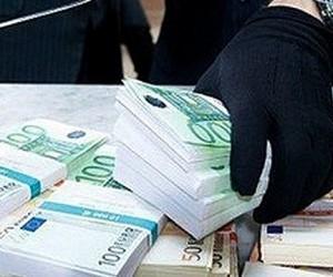 Сотрудник столичного «обменника»  похитил у клиента 200 тысяч евро и сбежал через черный ход