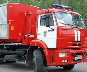 В Подмосковье трое молодых людей пытались угнать пожарную машину, чтобы потушить пожар