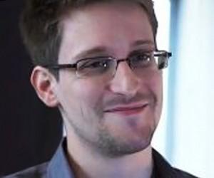 Сноуден уже сегодня может покинуть Шереметьево