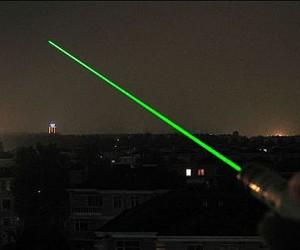 В «Шереметьево» опять пилотов двух самолетов ослепили лазерными указками