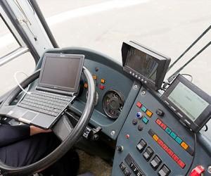 Водителям столичных автобусов хотят разрешить менять маршрут из-за пробок