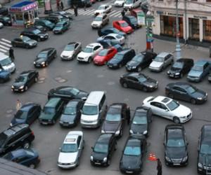 Решением Верховного суда упразднены штрафы за парковку в столице